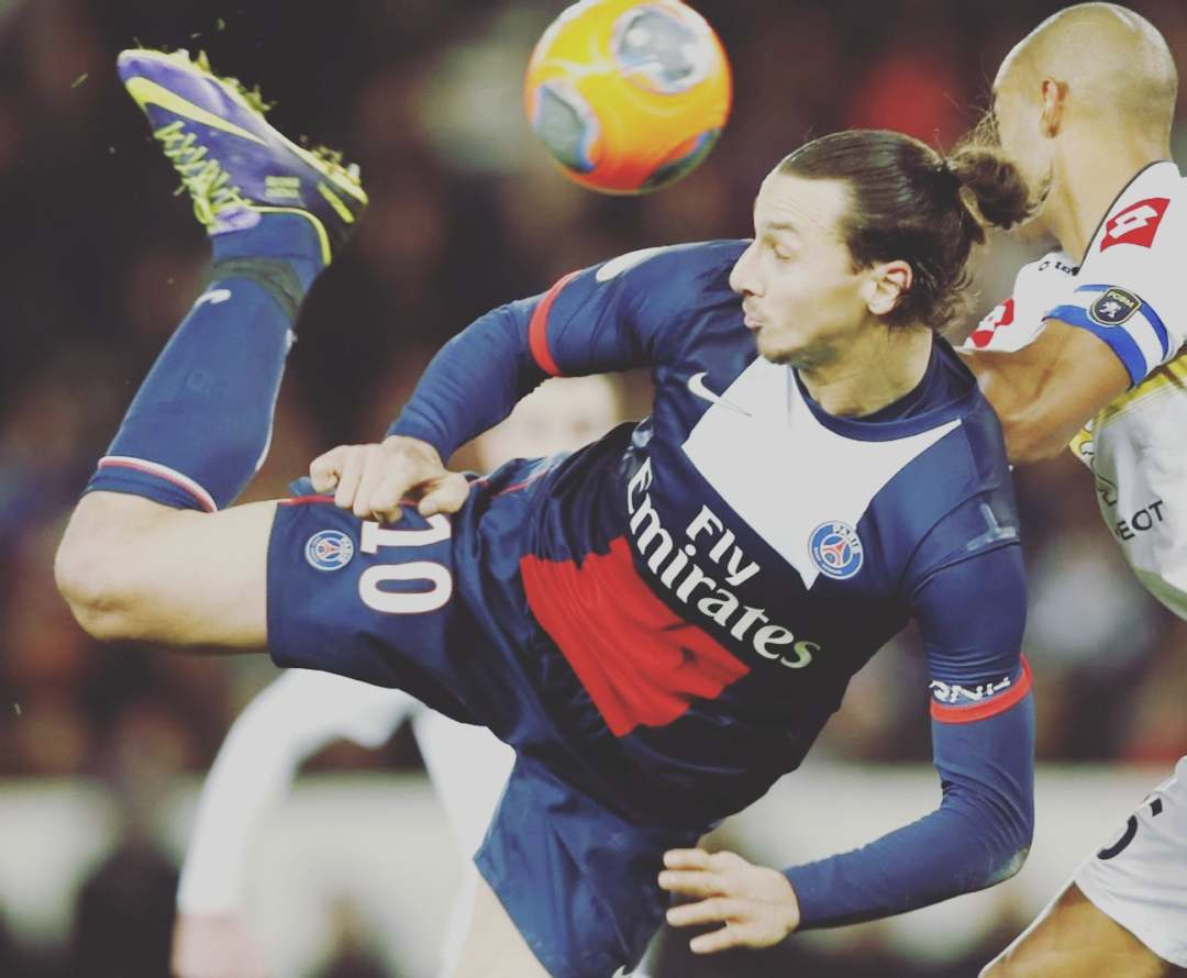 Old beutiful years … LEGEND Follow: @cavanimbappefans #psg #parissaintgermain …