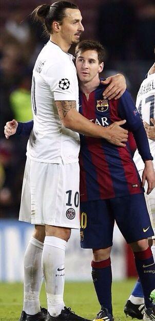 วีรบุรุษของ Ibra และ Messi 2 ทั้งหมดในภาพเดียว