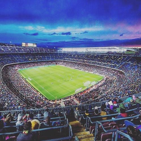 สถานที่ที่สวยงามในการโทรหาที่บ้าน! Repost: @fcbarcelona #barcelona #neymar #forca …