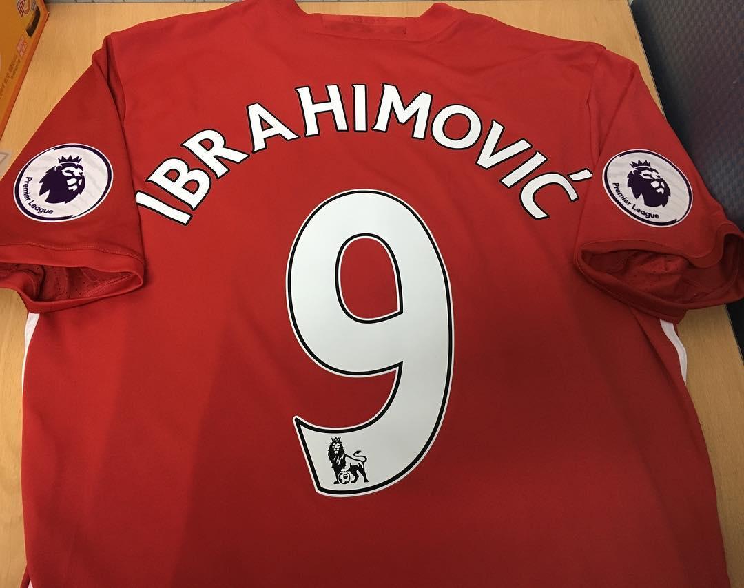 แมนเชสเตอร์ยูไนเต็ด 2016/17 ผลการแข่งขัน Ibrahimovic Mark และพรีเมียร์ลีก Octopus Soccer in Premiership 2013/17 สีเดิม …