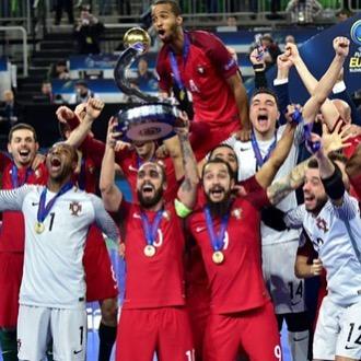 ขอแสดงความยินดีโปรตุเกส🇵🇹ไปยังสหภาพยุโรปในฟุตซอล พ่ายแพ้ 3-2 ในสเปน …