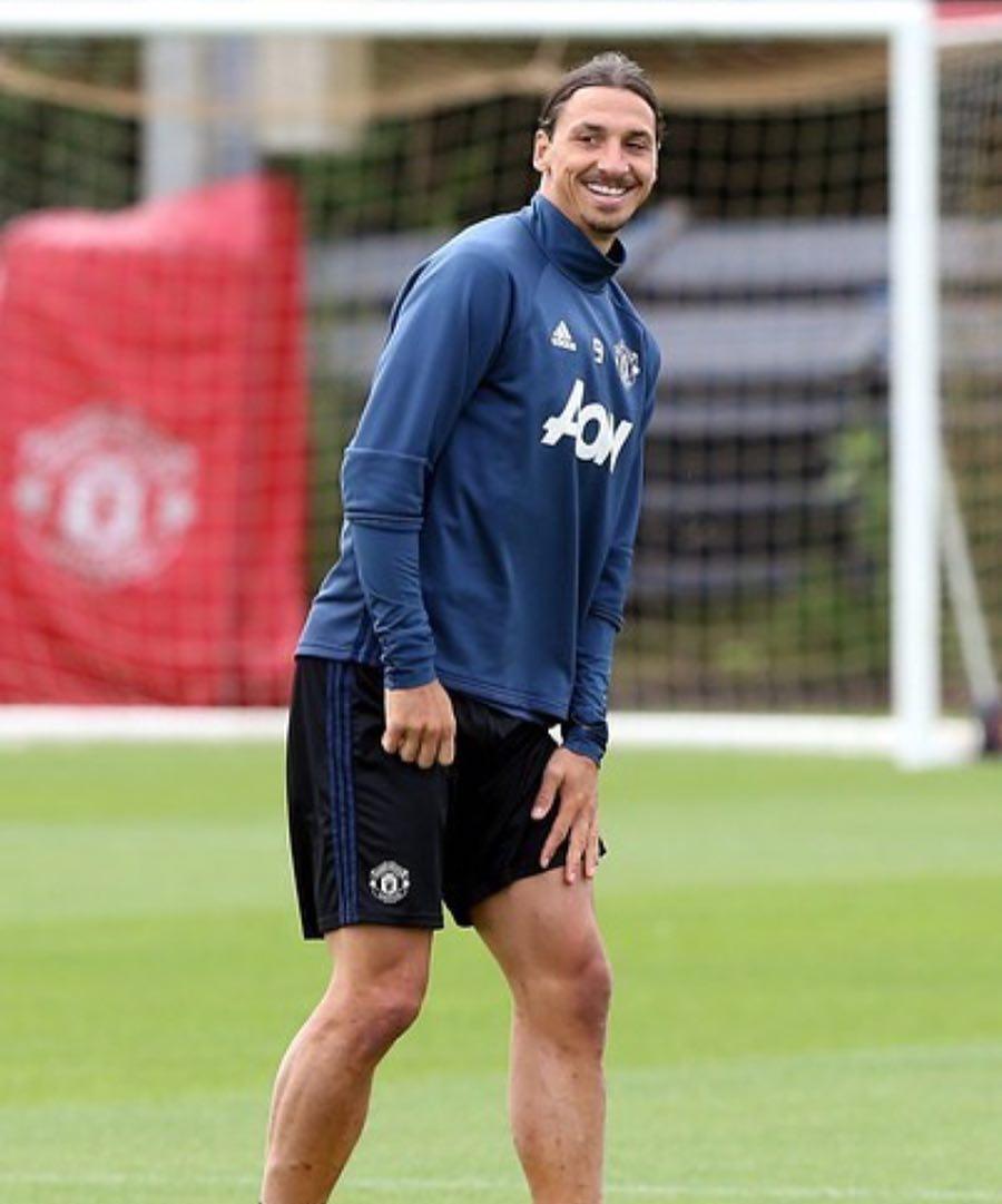 การอัพเกรดค่าตอบแทน: การฝึกซ้อมกับทีมชุดแรกของ Zlatan แต่จะไม่มีลักษณะอีกครั้ง …