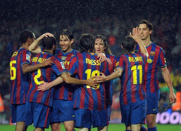 Zlatan Ibrahimovic รูปภาพรูปภาพ – บาร์เซโลนา Seydou Keita (L), Daniel Alv …