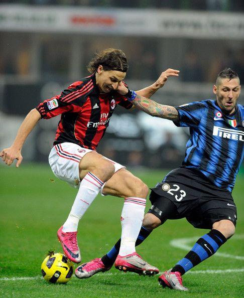 Zlatan Ibrahimovic รูปภาพรูปภาพ – Marco Materazzi (R) แฟนคลับ Internazionale Mila …