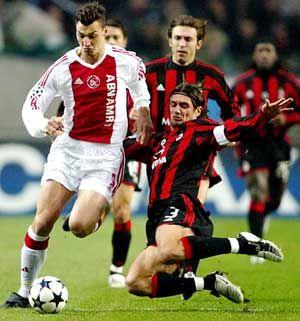 ~ Zlatan Ibrahimovic จากอาแจ็กซ์กับ Paolo Maldini และ Andrea Pirlo จาก AC Milan …