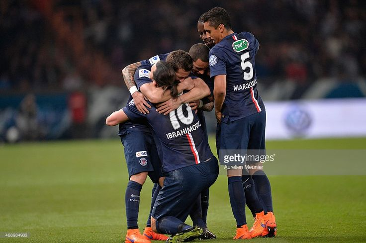 Zlatan Ibrahimovic จาก PSG ยินดีต้อนรับเป้าหมายที่สองของเขาในขณะที่ … ภาพถ่ายภาพถ่าย …