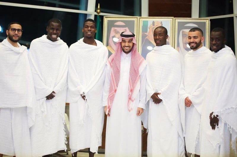 Paul Pogba และ Kurt Zouma ตอนนี้อยู่ในเมือง Makkah al-Mukarramah me …