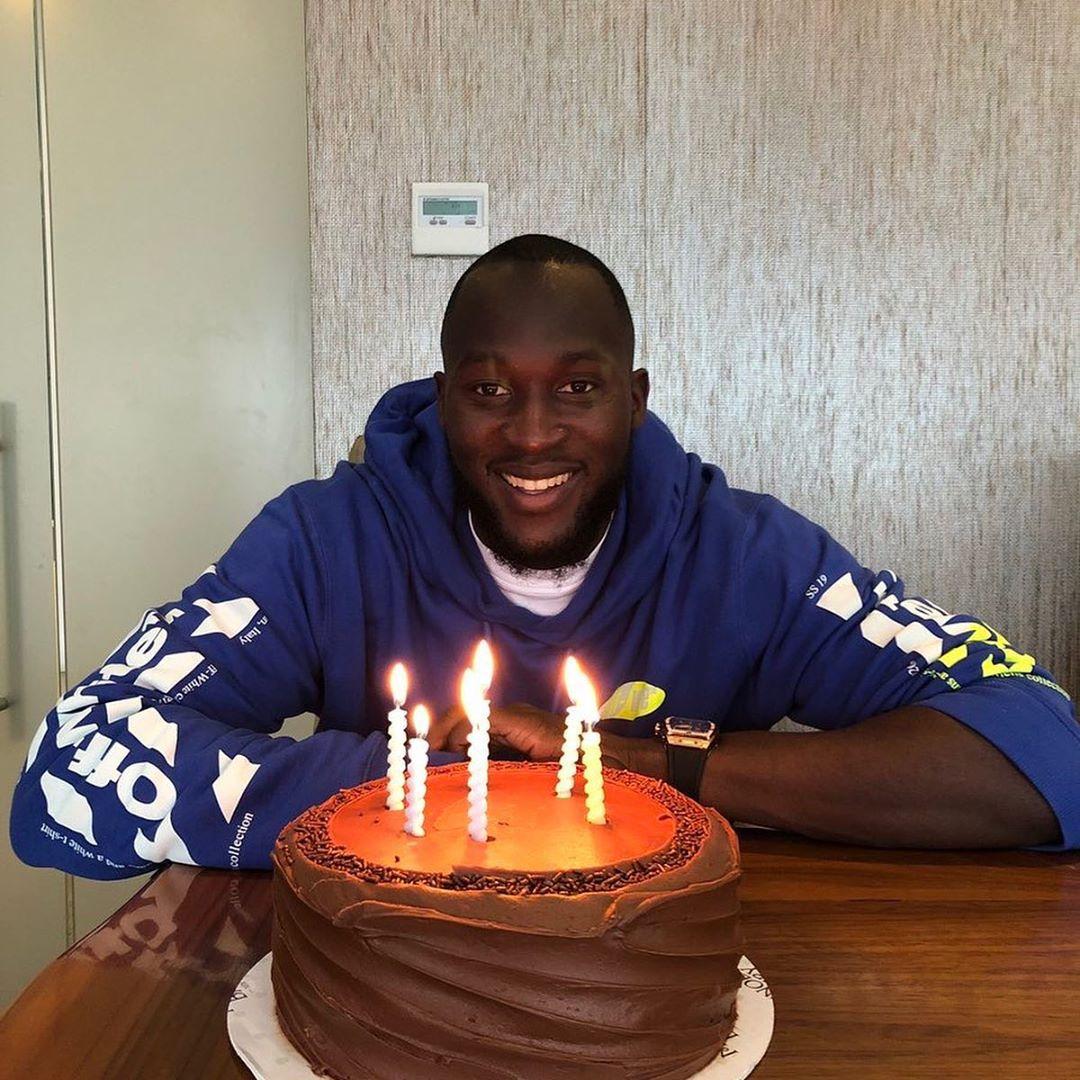 Romelu Lukaku เป็นอย่างไรฉลองวันเกิด #MUFC …