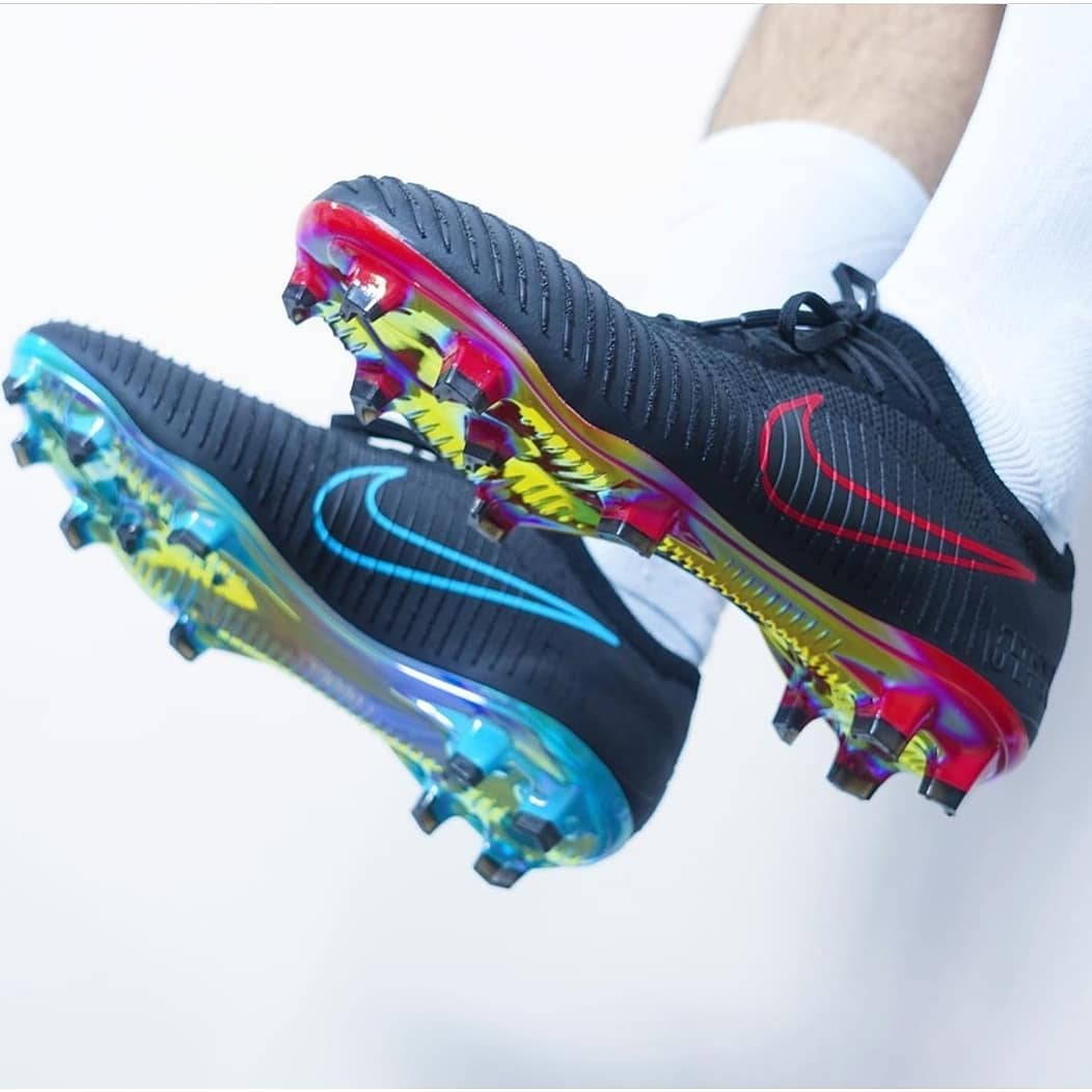 ใครจำรุ่นที่ จำกัด นี้ได้จาก @nikefootball #FlyknitUltra ▪️ ติดตาม …