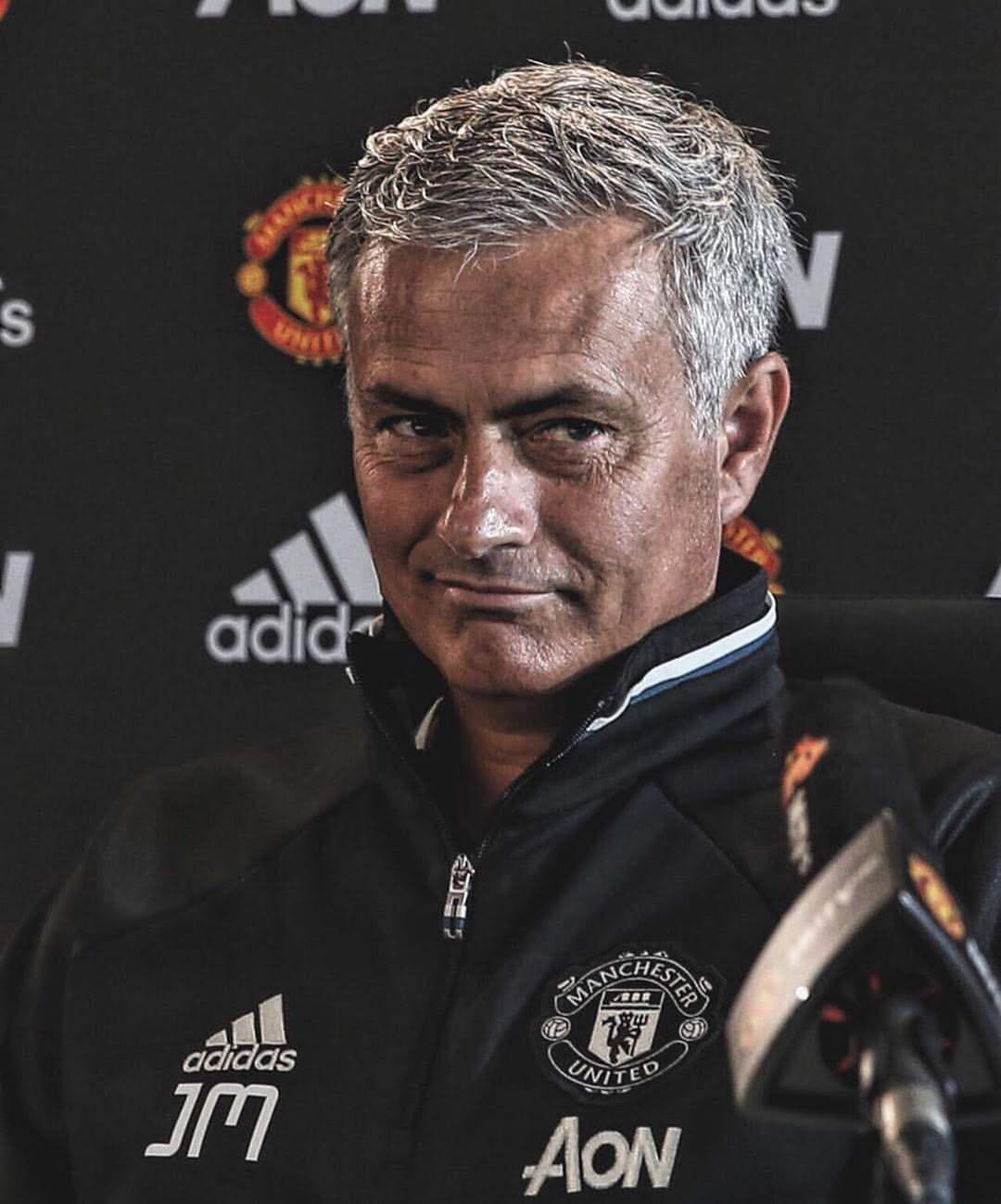 """Gary Neville: """"Jose Mourinho ในสมัยของเขาบอกเราว่านี่เป็นสิ่งที่ยิ่งใหญ่ที่สุดของเขา …"""